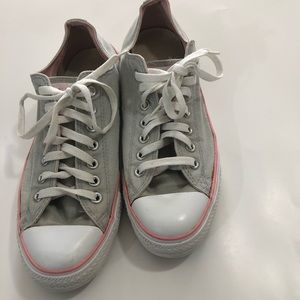 Gray and pink Chuck Taylor low top Converse